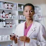 Opieka farmaceutyczna a pozycja apteki