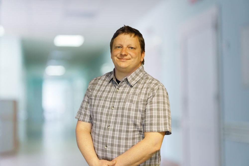 Tomasz Rawo, lekarz ortopeda, jak wybrać plecak szkolny