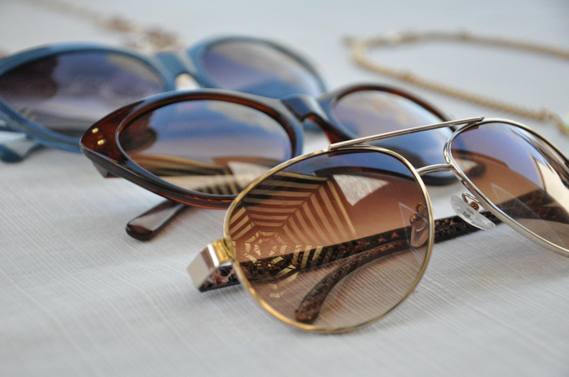 Modne okulary przeciwsłoneczne – czy są zdrowe dla wzroku?