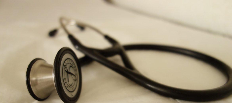 badanie-stetoskop-kardiologia