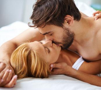 Jak zaskoczyć faceta w łóżku?