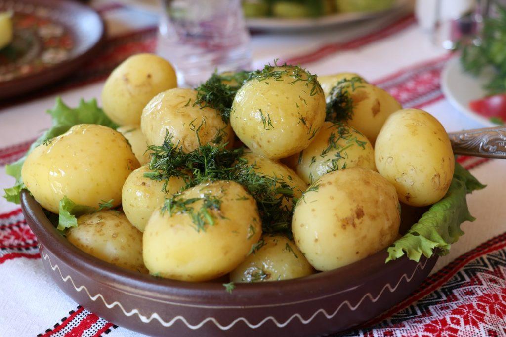 Młody ziemniak - cenne źródło błonnika